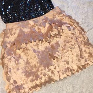 Kardashian Petal Nude color Skirt M